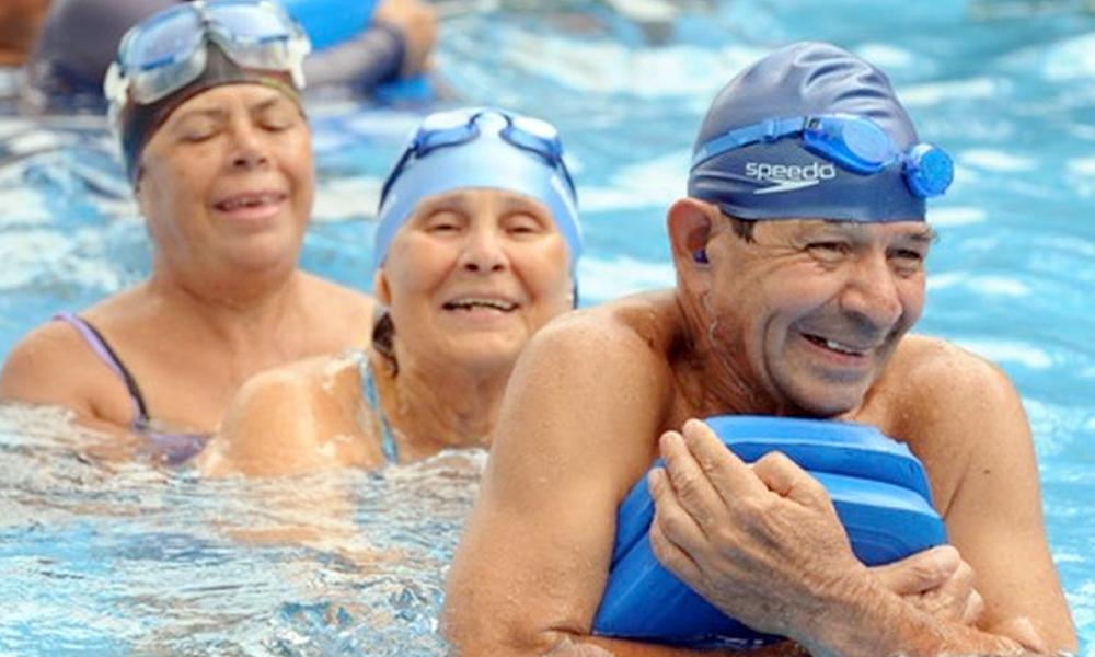 Hidrogimnasia para adultos mayores.