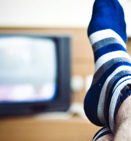 """El sedentarismo es la falta de actividad física regular, definida como: """"menos de 30 minutos diarios de ejercicio regular y menos de 3 días a la semana""""."""