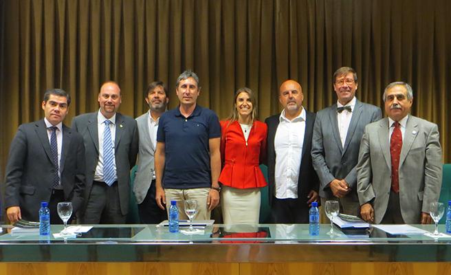 Psicóloga Paula Ortiz Marholz, defendió su tesis doctoral en la Universidad de Granada, España.